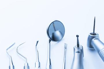 Zahnarzt Instrumente bohrer spiegel