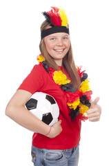 Junger weiblicher Fussball Fan mit Ball