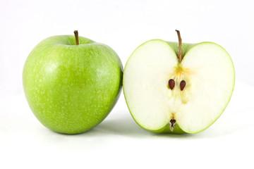 manzana verde y partida
