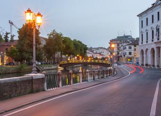 ponte dante treviso at night