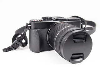 digital mirrorless camera with zoom lense