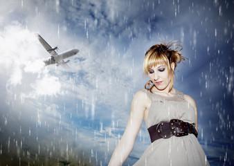 Retrato de chica con cielo bajo la lluvia