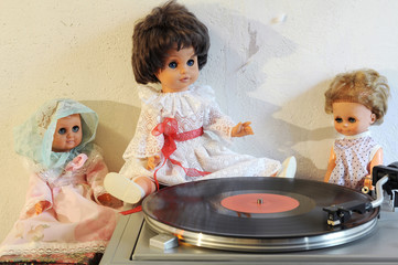 Vintage dolls and turntable