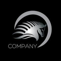 логотип конь