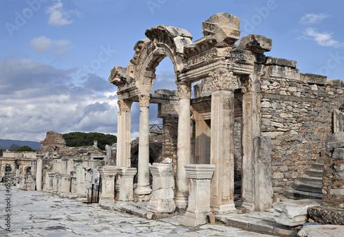 Papiers peints Ruine The temple of Hadrian, Ephesos, Turkey