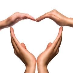Viele Menschen bilden ein Herz