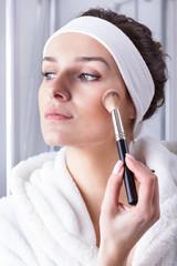 Pretty woman make-up