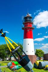 Büsumer Leuchtturm mit Tonnenhof und Wracktonne - 2504