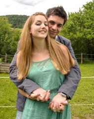 Innigkeit: Junges, schönes Paar :)
