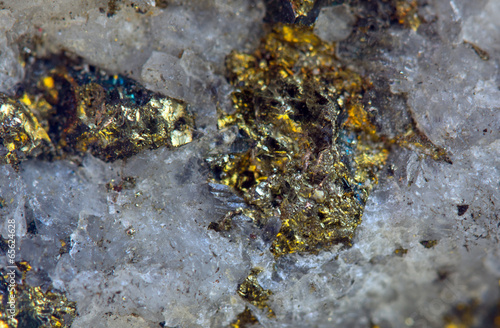 Tuinposter Edelsteen Crystal,nugget, gold, bronze, copper, iron. Macro. Extreme close
