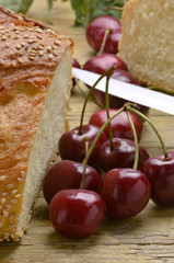 Bread and cherries Pane e ciliegie Pan y las cerezas