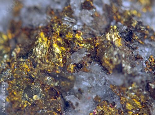 Tuinposter Edelsteen Nugget, gold, bronze, copper. Macro. Extreme closeup