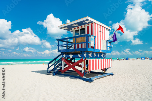 Lifeguard hut in South Beach, Miami - 65645829
