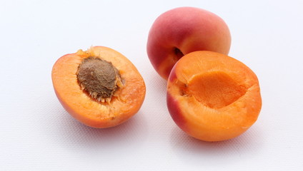 2 abricots