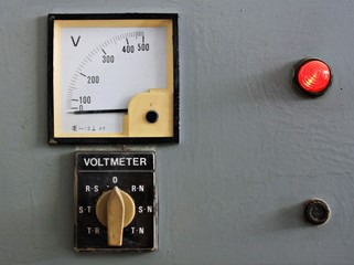 Old gauges , Control panel with voltmeter