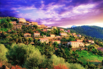 Village sur les hauteurs en Corse