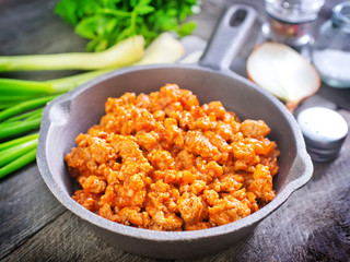 minced meat with tomato sauce