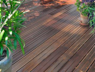 terrasse bois mouillée
