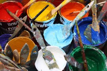 busker artista in strada pittura