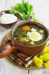Sorrel soup with eggs