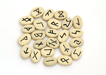 fortune telling of the nordic runes