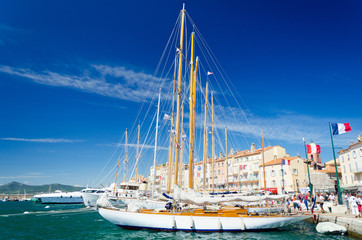 Segelboot in St. Tropez