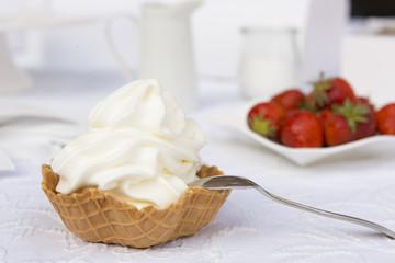 Frozen Jogurt mit Löffel