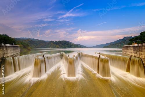 Leinwanddruck Bild check dam in Taiwan