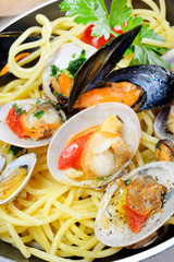 spaghetti with clams fasolari and mussels