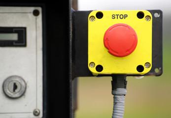 Stopp Knopf einer Maschine
