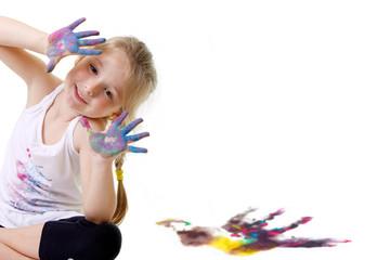 Bambina che gioca con i colori #3