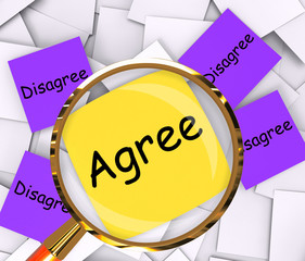 Agree Disagree Post-It Papers Mean Opinion Agreement Or Disagree