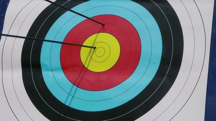 5of26 Arrows, bow, archery, people, sport, target, bull's-eye