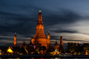 Wat arun , old temple in bangkok ,Thailand 4