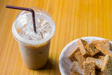 Iced coffee and crackers