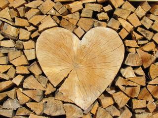 Herz im Holz