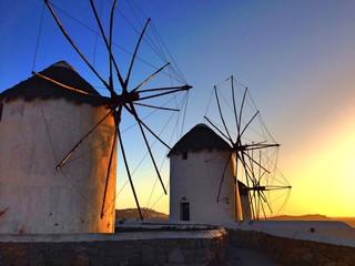 Mykonos al tramonto