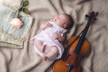 bebe con violin
