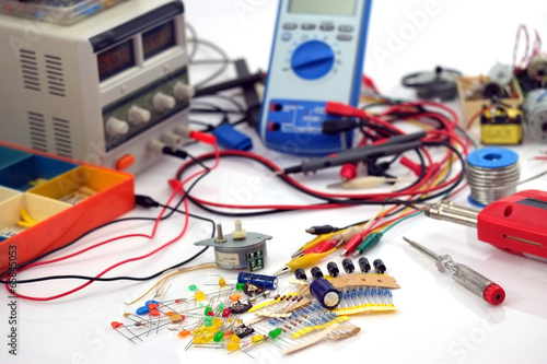 Leinwanddruck Bild Elektronikerwerkstatt