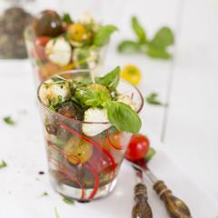 Tomate Mozzarella im Glas