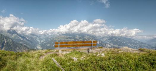 Panoramablick in den Alpen in HDR