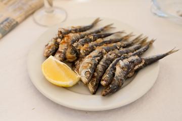 sardynka pieczony ruszt szaszłyk łódka espeto de sardina
