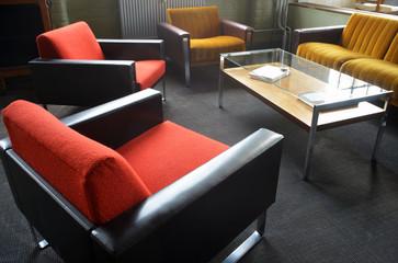 Retro Sitzgruppe mit Sesseln und Sofa