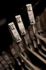 www symbol vintage typewriter keys
