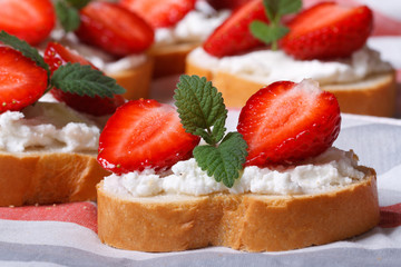 sandwiches with strawberries, cream cheese and mint.  Macro
