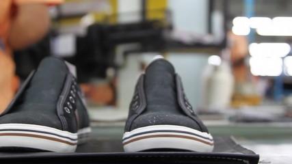 footwear manufacturing conveyor