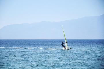 Rüzgar sörfü