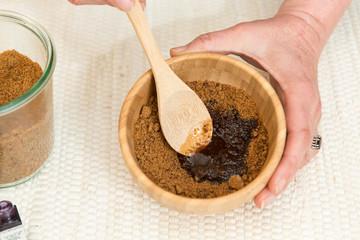 préparation d'un gommage au sucre