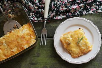 Запеканка, баклажаны, сыр и овощи