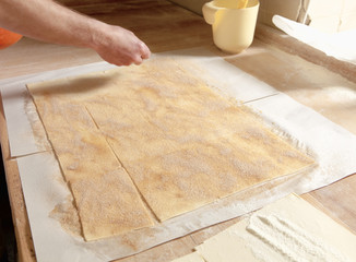 Adding Sugar on Top of Pastry